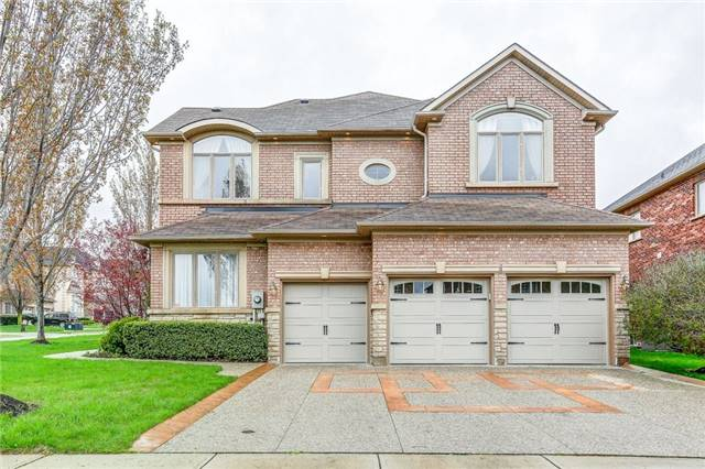 Detached at 1395 Pinery Cres, Oakville, Ontario. Image 1