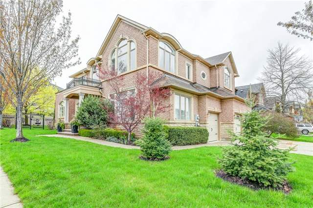 Detached at 1395 Pinery Cres, Oakville, Ontario. Image 12