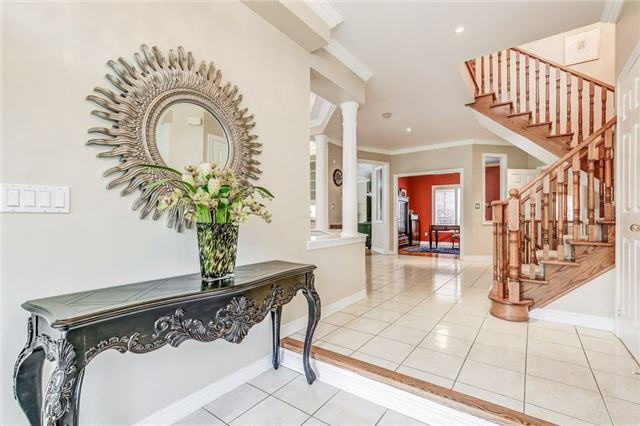 Detached at 1395 Pinery Cres, Oakville, Ontario. Image 14