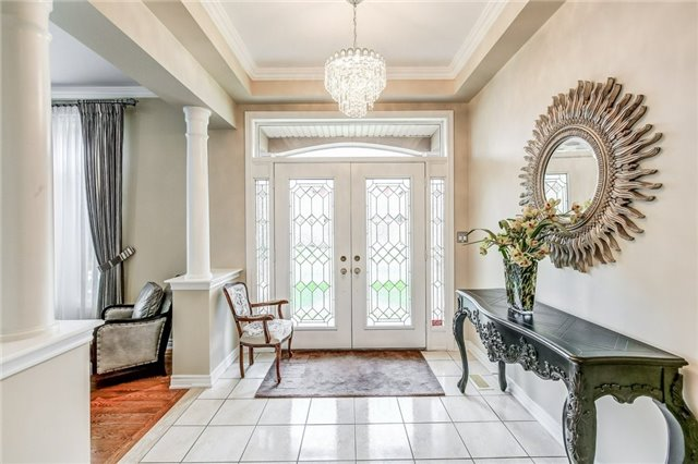 Detached at 1395 Pinery Cres, Oakville, Ontario. Image 15