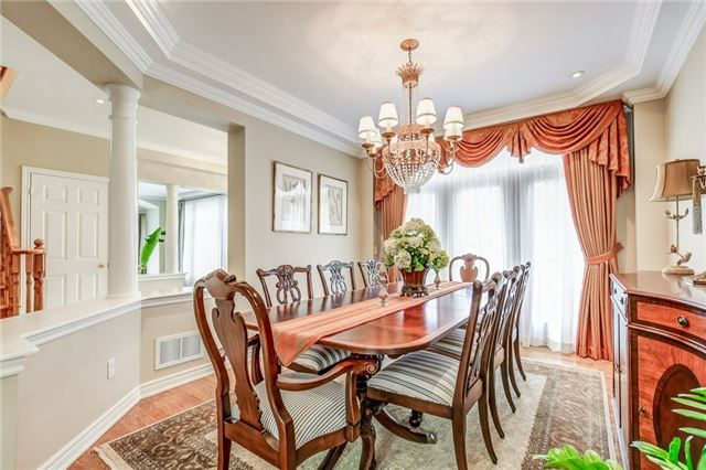 Detached at 1395 Pinery Cres, Oakville, Ontario. Image 17