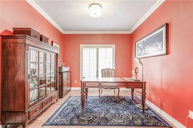 Detached at 1395 Pinery Cres, Oakville, Ontario. Image 18