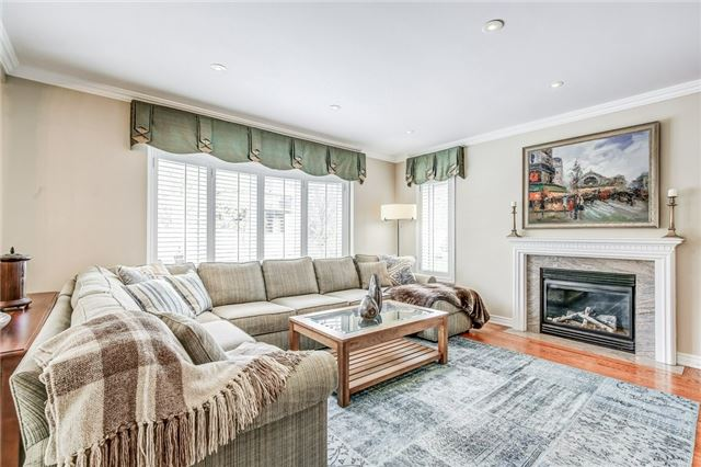 Detached at 1395 Pinery Cres, Oakville, Ontario. Image 19