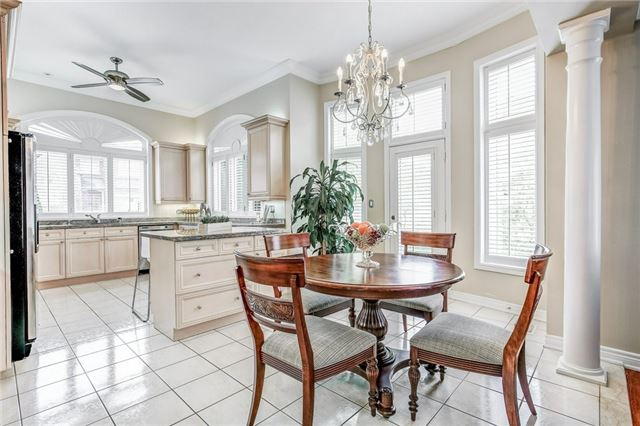 Detached at 1395 Pinery Cres, Oakville, Ontario. Image 3