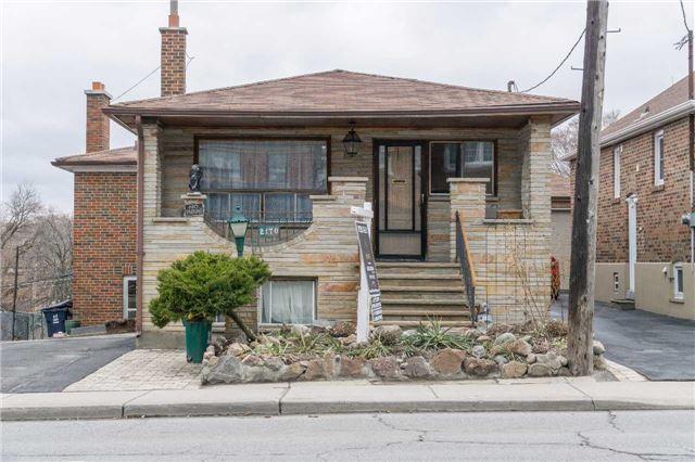 Detached at 2170 Dufferin St N, Toronto, Ontario. Image 1