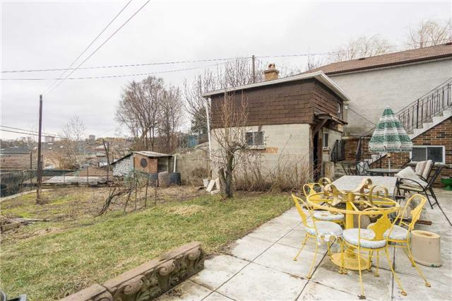 Detached at 2170 Dufferin St N, Toronto, Ontario. Image 11