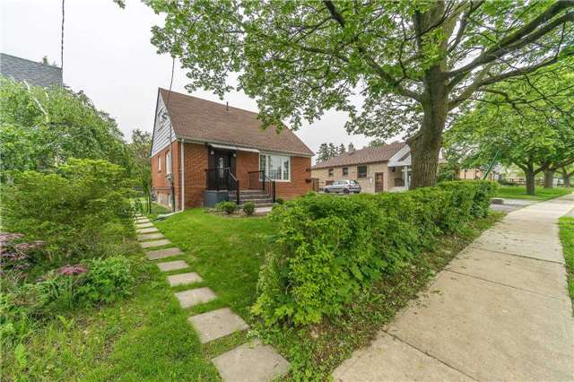 Detached at 35 Coppermill Dr, Toronto, Ontario. Image 1