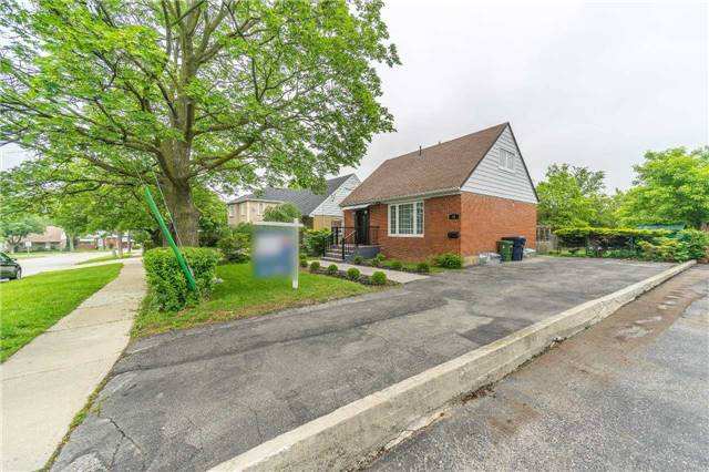 Detached at 35 Coppermill Dr, Toronto, Ontario. Image 12