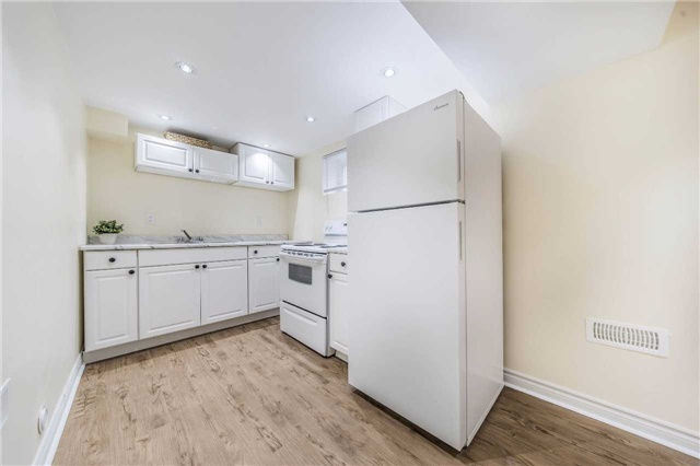 Detached at 35 Coppermill Dr, Toronto, Ontario. Image 6