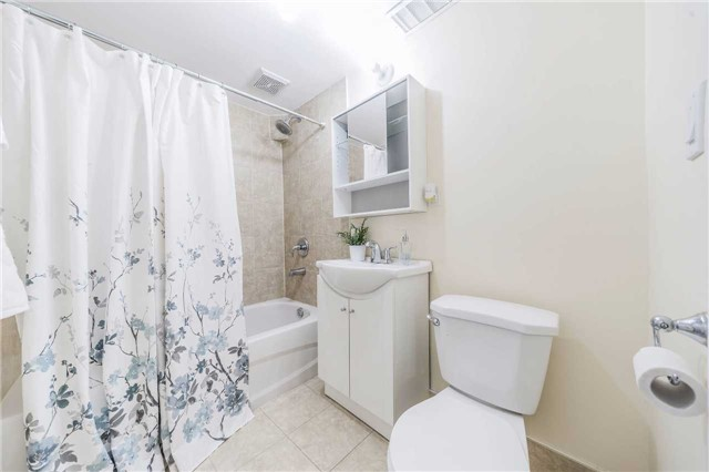 Detached at 35 Coppermill Dr, Toronto, Ontario. Image 8