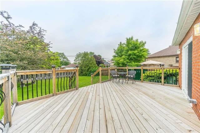 Detached at 35 Coppermill Dr, Toronto, Ontario. Image 9