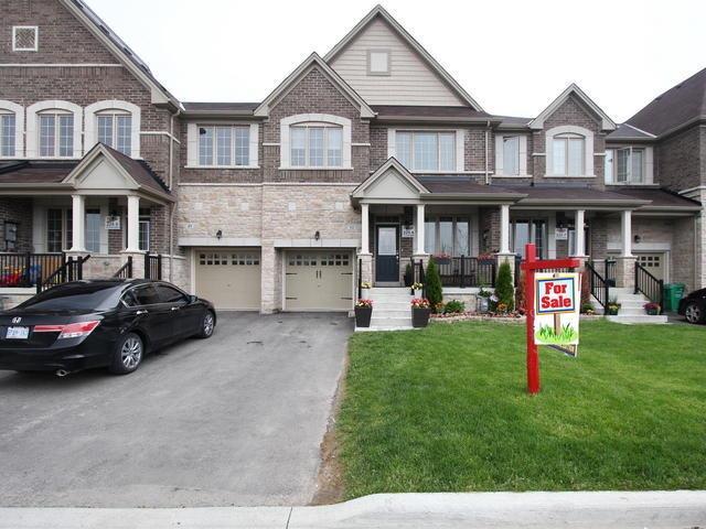 Townhouse at 51 Zelda Rd, Brampton, Ontario. Image 1