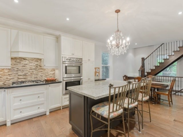 Detached at 8 Maple St, Caledon, Ontario. Image 14