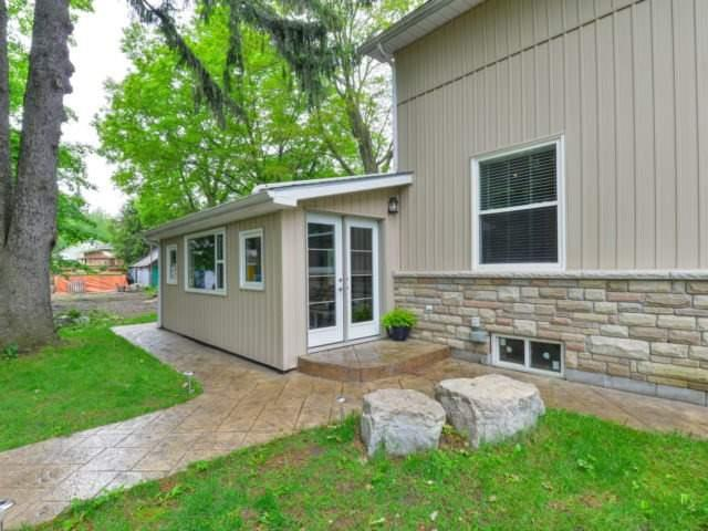 Detached at 8 Maple St, Caledon, Ontario. Image 11