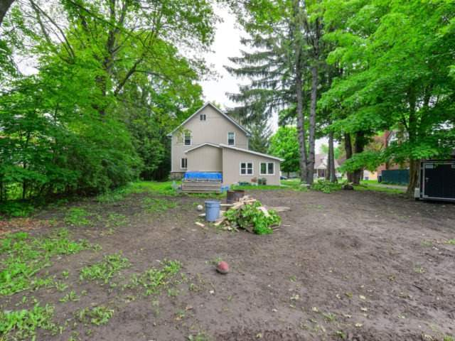 Detached at 8 Maple St, Caledon, Ontario. Image 13