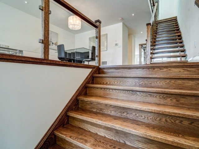 Detached at 119 A Hillside Ave, Toronto, Ontario. Image 15