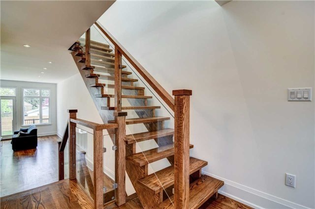 Detached at 119 A Hillside Ave, Toronto, Ontario. Image 3