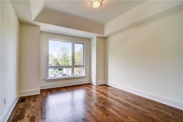 Detached at 119 A Hillside Ave, Toronto, Ontario. Image 6