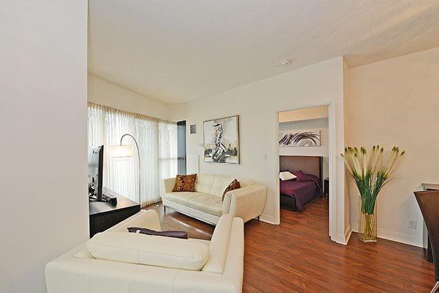 Condo Apartment at 50 Absolute Ave, Unit 2408, Mississauga, Ontario. Image 18