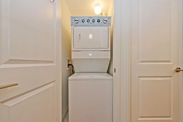 Condo Apartment at 50 Absolute Ave, Unit 2408, Mississauga, Ontario. Image 7