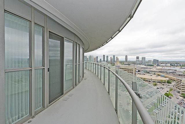 Condo Apartment at 50 Absolute Ave, Unit 2408, Mississauga, Ontario. Image 13