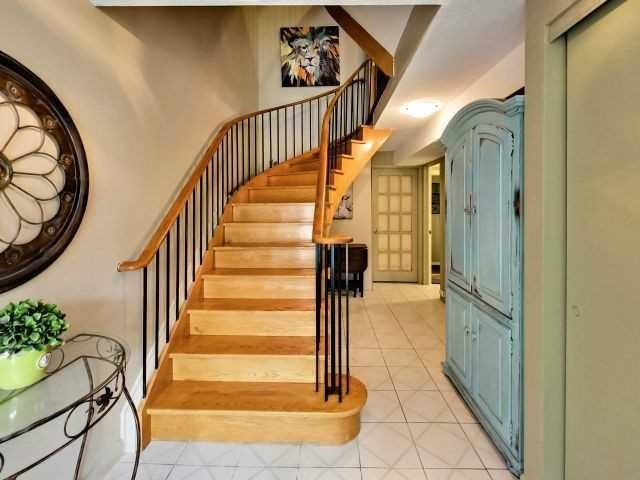 Condo Townhouse at 6679 Shelter Bay Rd N, Unit 64, Mississauga, Ontario. Image 8