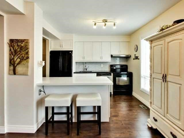 Condo Townhouse at 6679 Shelter Bay Rd N, Unit 64, Mississauga, Ontario. Image 11