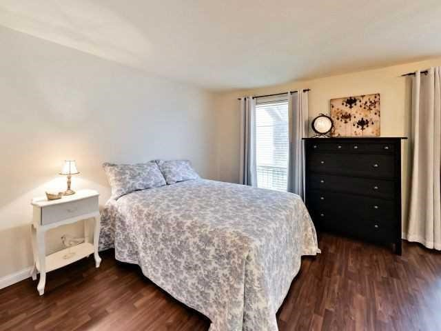 Condo Townhouse at 6679 Shelter Bay Rd N, Unit 64, Mississauga, Ontario. Image 3