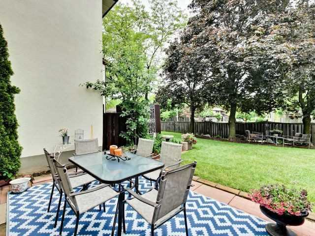 Condo Townhouse at 6679 Shelter Bay Rd N, Unit 64, Mississauga, Ontario. Image 4