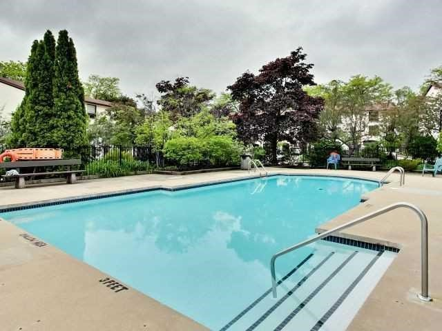 Condo Townhouse at 6679 Shelter Bay Rd N, Unit 64, Mississauga, Ontario. Image 7