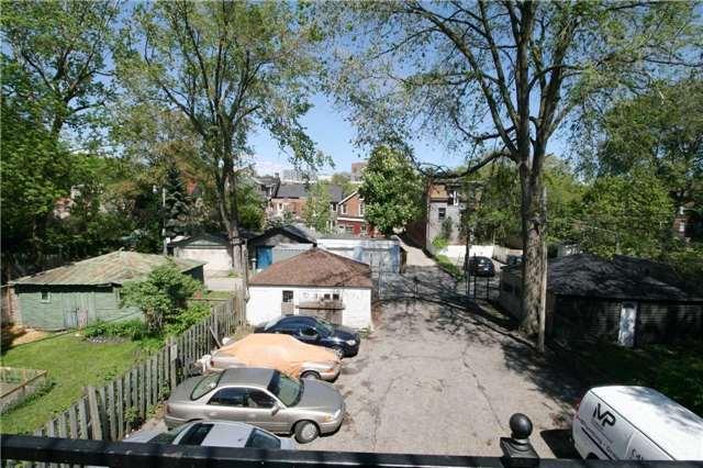 Semi-detached at 11 1/2 Elm Grove Ave, Toronto, Ontario. Image 6