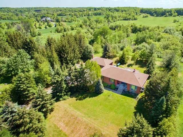 Detached at 15246 The Gore Rd, Caledon, Ontario. Image 12