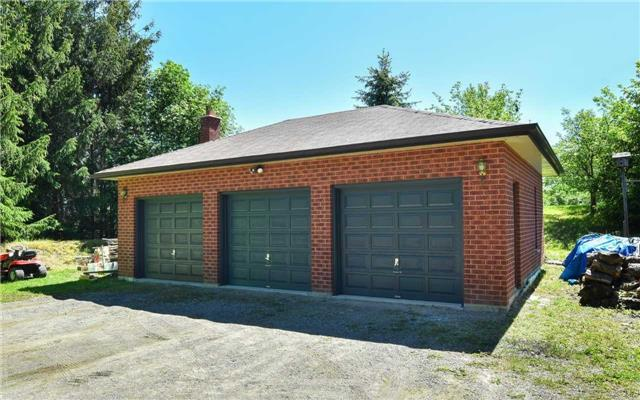 Detached at 15246 The Gore Rd, Caledon, Ontario. Image 10