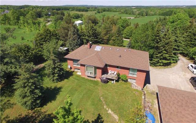 Detached at 15246 The Gore Rd, Caledon, Ontario. Image 13