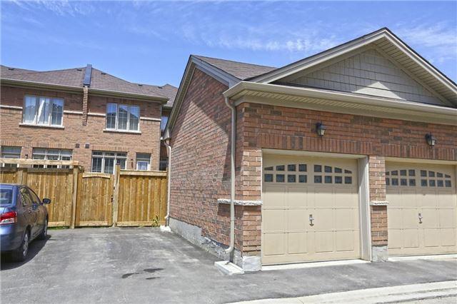 Townhouse at 25 Yellowknife Rd, Brampton, Ontario. Image 13