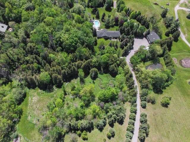 Detached at 6797 Highway 9, Caledon, Ontario. Image 15