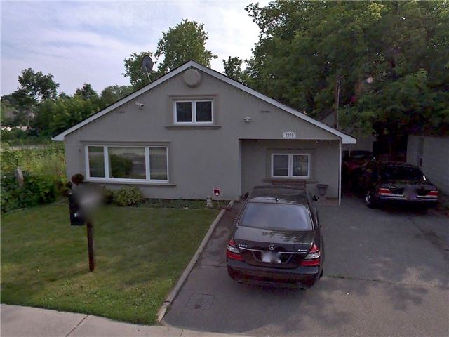 Detached at 2570 Confederation Pkwy, Mississauga, Ontario. Image 1