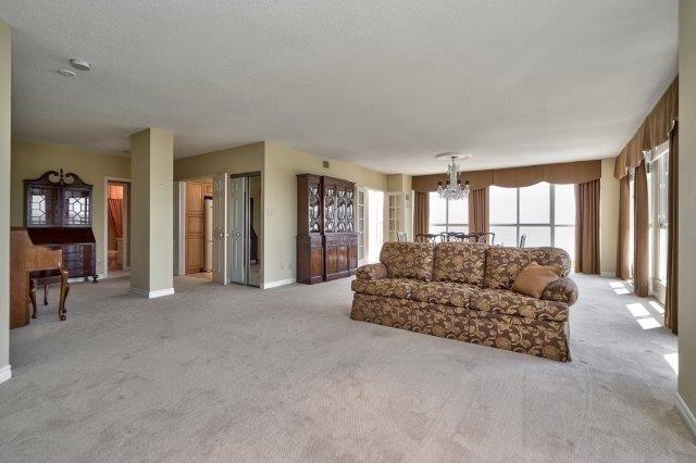 Condo Apartment at 415 Locust St, Unit 1103, Burlington, Ontario. Image 20