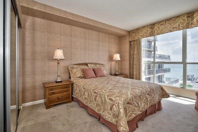 Condo Apartment at 415 Locust St, Unit 1103, Burlington, Ontario. Image 6