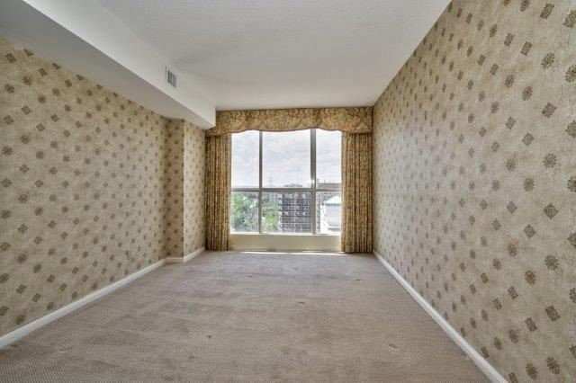 Condo Apartment at 415 Locust St, Unit 1103, Burlington, Ontario. Image 8