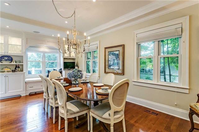 Detached at 230 King St, Oakville, Ontario. Image 17