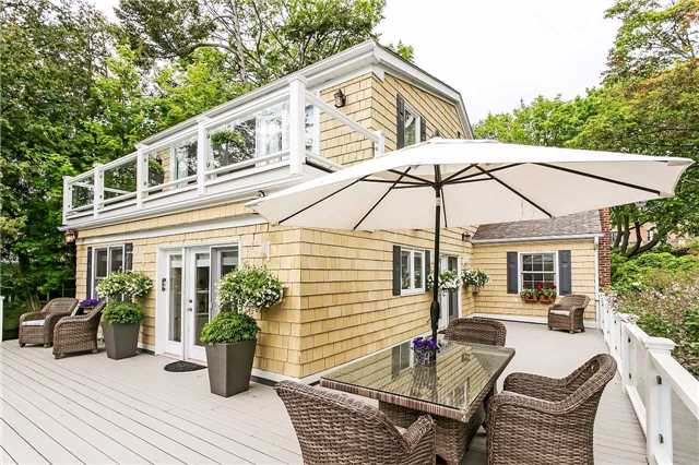 Detached at 230 King St, Oakville, Ontario. Image 11