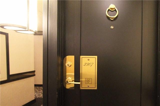 Condo Apartment at 2045 Lake Shore Blvd W, Unit 2307, Toronto, Ontario. Image 12