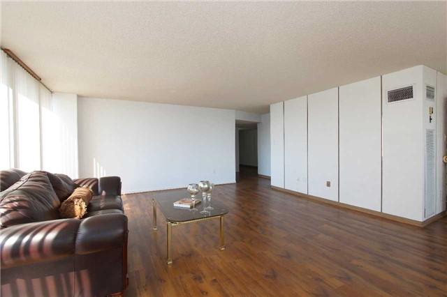 Condo Apartment at 2045 Lake Shore Blvd W, Unit 2307, Toronto, Ontario. Image 15