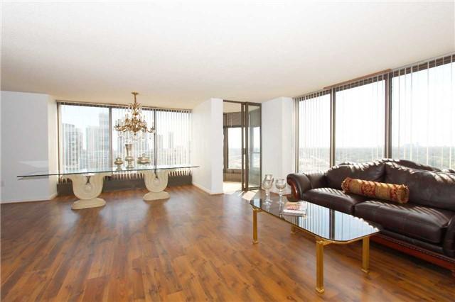 Condo Apartment at 2045 Lake Shore Blvd W, Unit 2307, Toronto, Ontario. Image 17
