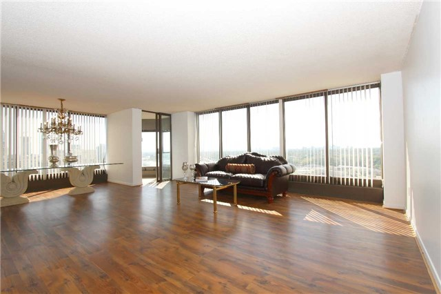 Condo Apartment at 2045 Lake Shore Blvd W, Unit 2307, Toronto, Ontario. Image 18