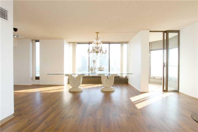 Condo Apartment at 2045 Lake Shore Blvd W, Unit 2307, Toronto, Ontario. Image 19