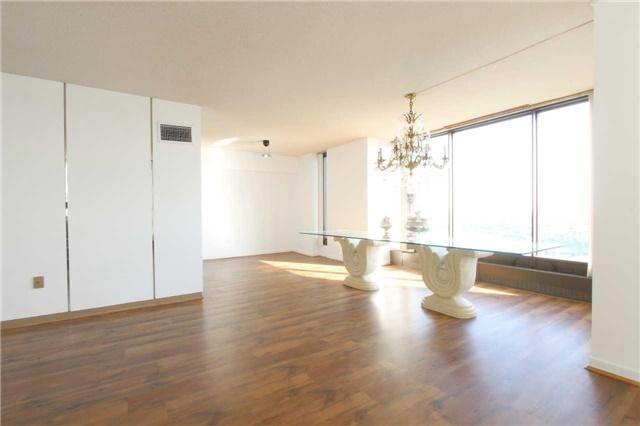 Condo Apartment at 2045 Lake Shore Blvd W, Unit 2307, Toronto, Ontario. Image 2