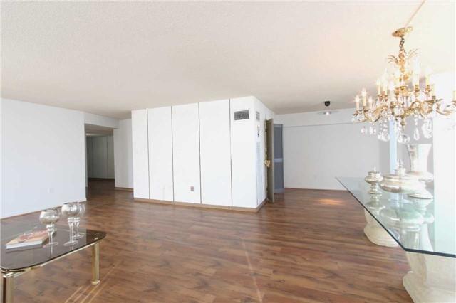 Condo Apartment at 2045 Lake Shore Blvd W, Unit 2307, Toronto, Ontario. Image 4