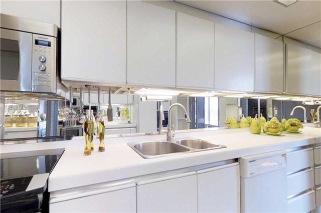Condo Apartment at 2045 Lake Shore Blvd W, Unit 2307, Toronto, Ontario. Image 6